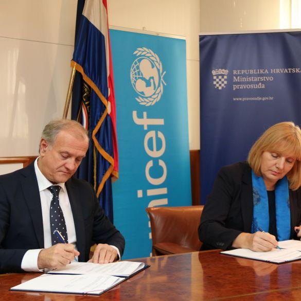 MINISTARSTVO PRAVOSUĐA I UNICEF  DJECI OMOGUĆAVAJU BOLJI KONTAKT S RODITELJIMA U ZATVORU