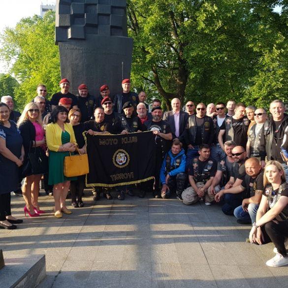 Bikerska karavana '27 krunica za 27 godina' stigla u Slavonski Brod