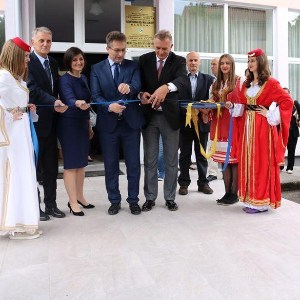 """Predstavnici županije na otvorenju prve """"Pametne škole"""" u Tuzlanskom kantonu"""