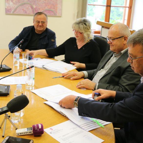 Ugovori o energetskoj obnovi OŠ Hugo Badalić, PŠ Jelas te OŠ Blaž Tadijanović u Podvinju