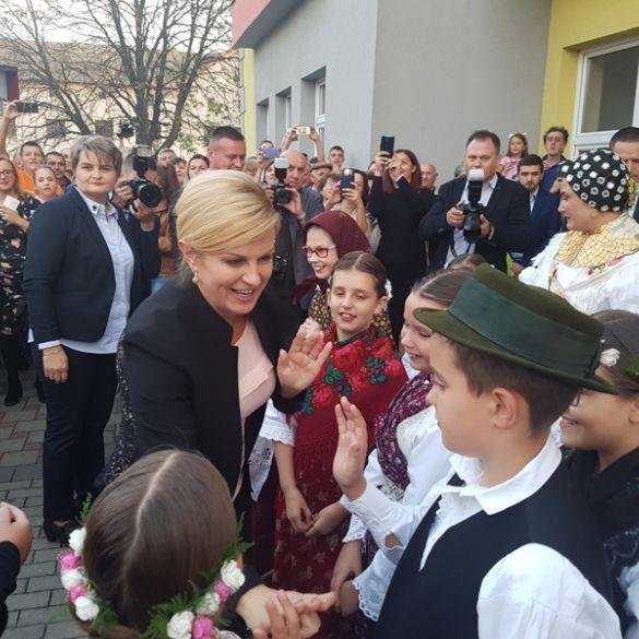 Posjet Brodsko-posavskoj županiji predsjednica završila u Sikirevcima i Vrpolju
