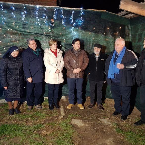 U Malinu udruga 'Arteco' otvorila tematski park 'Božićno svjetlo'