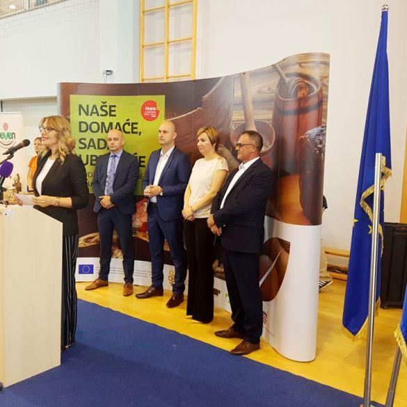 Ministar poljoprivrede Tolušić na radnom ručku u Pleternici