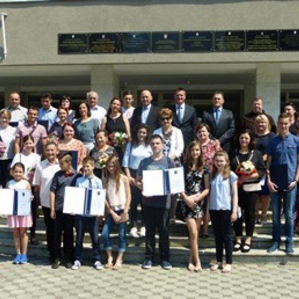 Najbolji učenici Brodsko- posavske županije na natjecanjima znanja i strukovnim natjecanjima