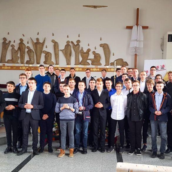 Mladi svećenički kandidati iz Malog sjemeništa sa Šalate posjetili Slavonski Brod