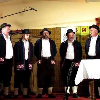 10. večer pjesme i folklora