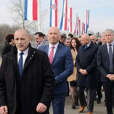 U Davoru otvorena šetnica u spomen na hrvatske branitelje