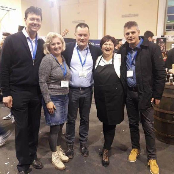 I naši OPG-ovi u  Istri na 6. međunarodnom sajmu 'S klobasicom u Europu'