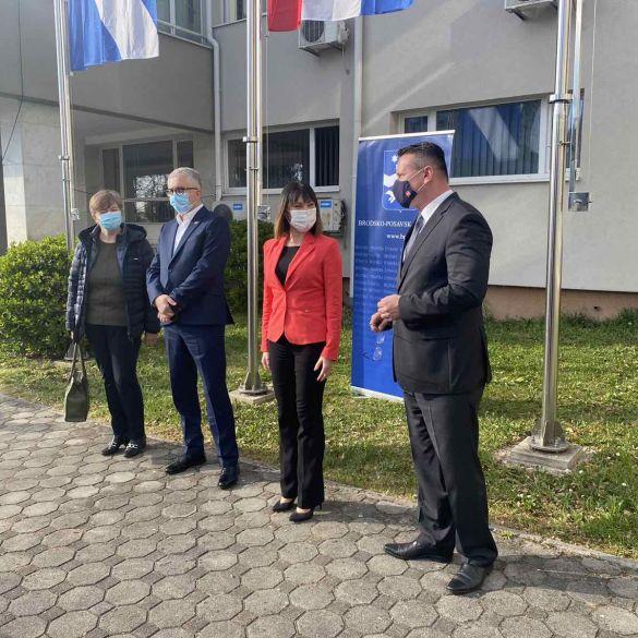 Ministrica Tramišak uručila 30 ugovora predstavnicima lokalne samouprave