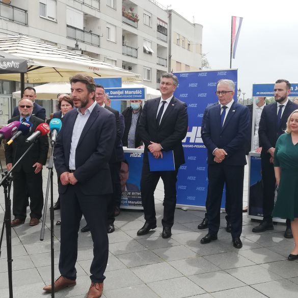 Premijer Plenković u Slavonskom Brodu dao podršku kandidatima na lokalnim izborima