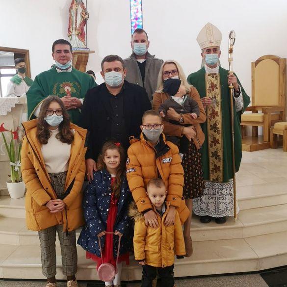 Krštenje petog djeteta u obitelji Letić