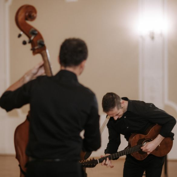 Virtuoznost kakva se rijetko viđa! Hojsak & Novosel izbacili novi singl Grličica grkovala