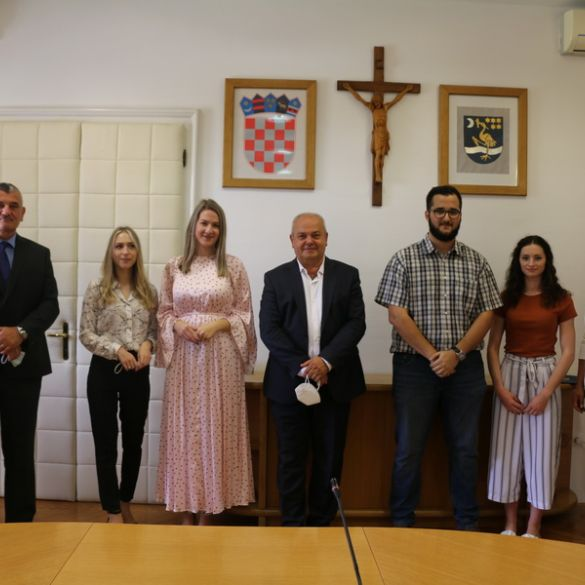 Gradonačelnik ugostio prvostupnike Sveučilišta u Slavonskom Brodu