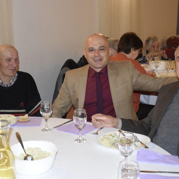 Grad Požega otkazao božićni susret s umirovljenicima