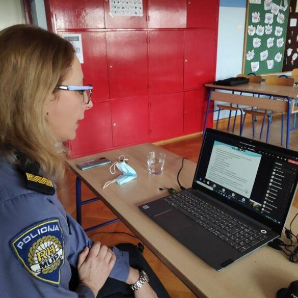 Policija u službi edukacije mladih