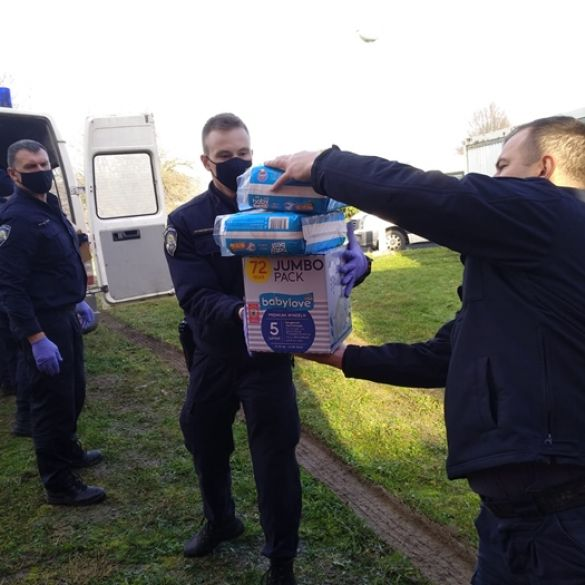 Brodski policajci uključili se u pomoć stradalima u potresu
