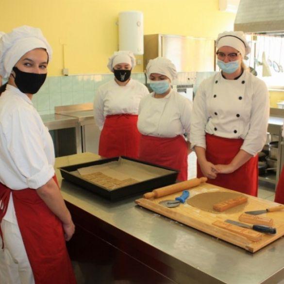 Predstavljen Požeški kolačić, suvenir Obrtničke škole POžega