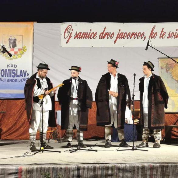 U Donjim Andrijevcima održana tradicionalna Smotra samičara